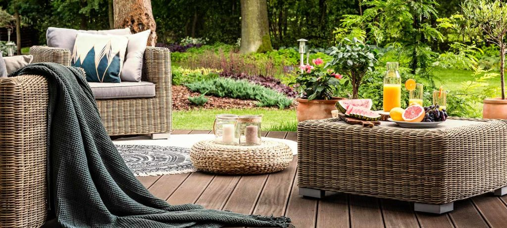 5 tips for designing an ideal outdoor living space